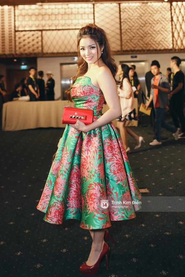 Hà Tăng tái xuất, tự tin đọ sắc cùng đàn em trong váy hoa rực rỡ - Ảnh 16.