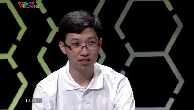 Về nhất với 400 điểm, Cậu bé Google Phan Đăng Nhật Minh vừa lập kỷ lục mùa Olympia mới - Ảnh 1.