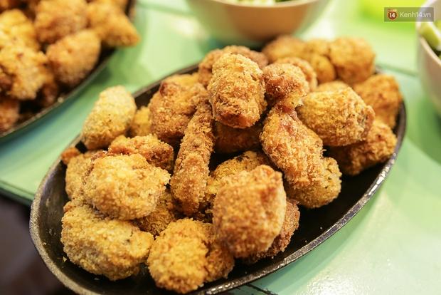 Mì bay - chứ không phải là Mì cay nhé - mới là món ăn hot nhất Sài Gòn bây giờ - Ảnh 18.