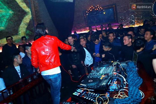 Khán giả Hà Nội hoài niệm trong đêm nhạc Deep House bay bổng cùng DJ Ahmet Kilic - Ảnh 8.