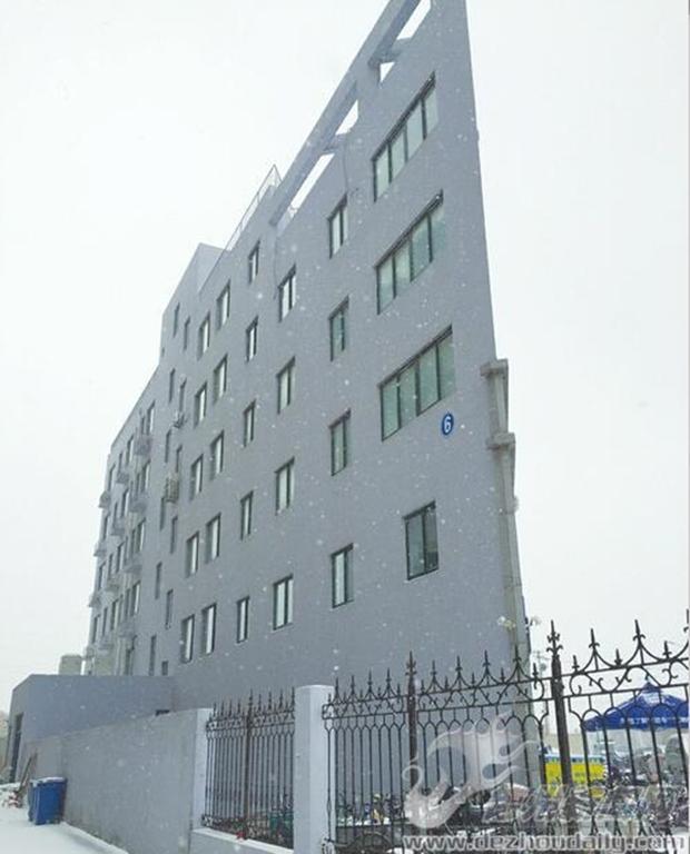 Những tòa nhà không thể mỏng hơn chỉ có ở Trung Quốc - Ảnh 12.