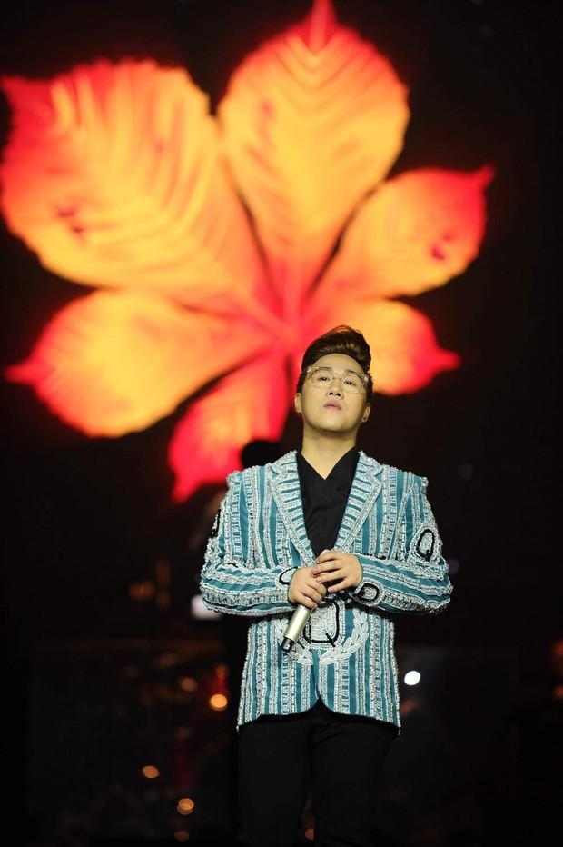 Khán giả xúc động khi trở lại thời Làn sóng xanh trong liveshow nhạc sĩ Việt Anh - Ảnh 19.
