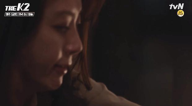 """""""K2"""": Thân phận thật sự của Yoona đã được tiết lộ - Ảnh 26."""