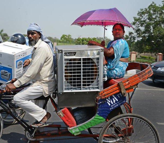 Chùm ảnh: Những hình ảnh nắng nóng khủng khiếp chỉ có ở Ấn Độ - Ảnh 9.