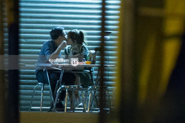 Hậu chia tay Tiến Đạt, Hari Won bị bắt gặp say đắm hôn Trấn Thành giữa đêm khuya - Ảnh 18.