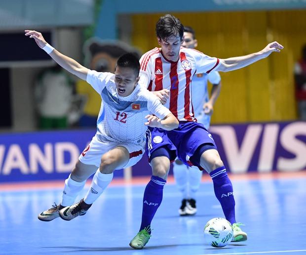 Thua đậm 1-7, tuyển futsal Việt Nam vẫn còn cơ hội vào vòng knock-out World Cup - Ảnh 2.