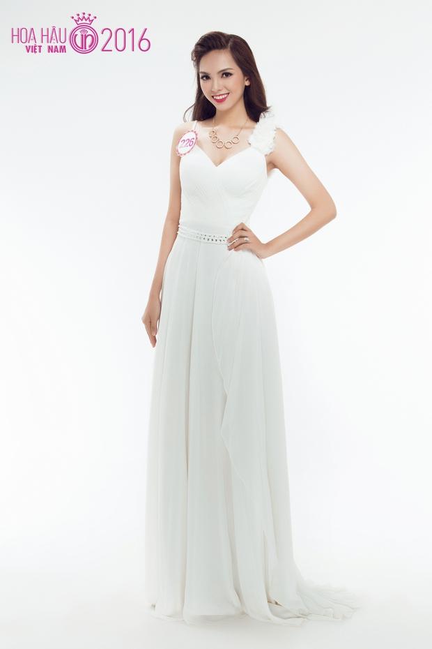 Hoa hậu Việt Nam 2016: 30 người đẹp tranh tài ở vòng Chung khảo phía Nam lộng lẫy với váy dạ hội - Ảnh 19.