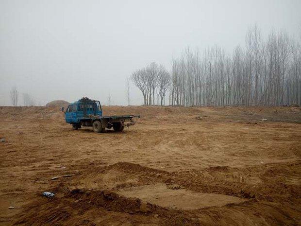 Những bức tượng khổng lồ sớm xây tối phá ở Trung Quốc - Ảnh 3.