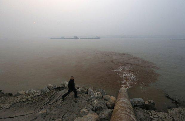 Loạt ảnh chấn động cho thấy đại dương đang trở thành hố rác khổng lồ của nhân loại - Ảnh 24.