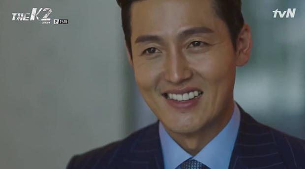 """""""K2"""": Ji Chang Wook bất lực nhìn Yoona bị kẻ thù bắt cóc - Ảnh 25."""
