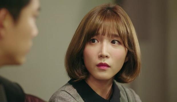"""""""7 First Kisses"""": Vừa bị tạt rong biển vào mặt, nữ chính đã được gặp ngay Lee Jong Suk - Ảnh 25."""