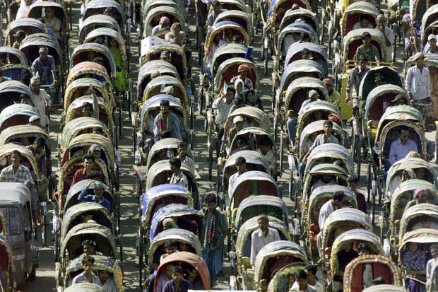 Không chỉ Indonesia, rất nhiều thành phố khác trên thế giới cũng thường xuyên ùn tắc kinh hoàng - Ảnh 24.
