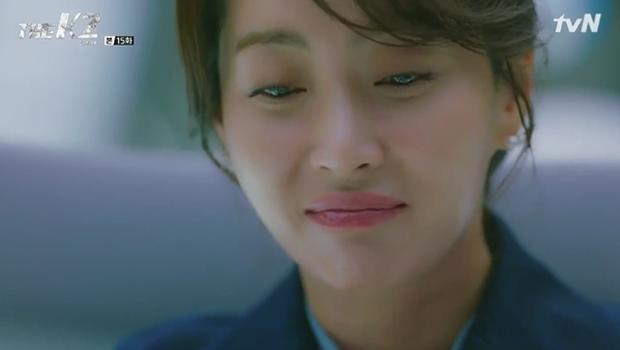 """""""K2"""": Ji Chang Wook bất lực nhìn Yoona bị kẻ thù bắt cóc - Ảnh 26."""