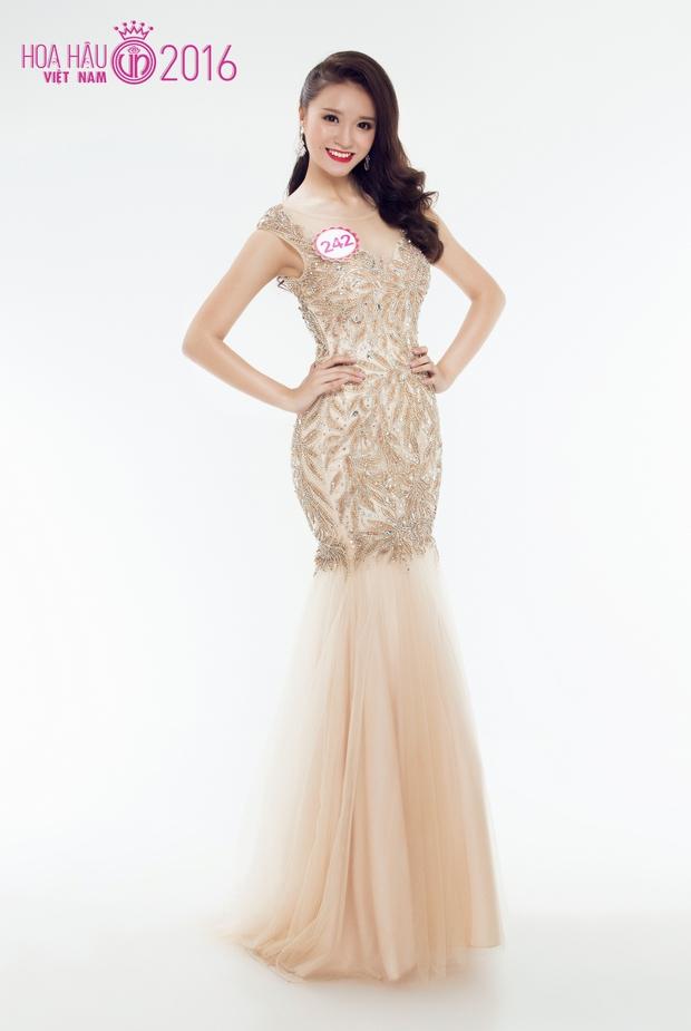 Hoa hậu Việt Nam 2016: 30 người đẹp tranh tài ở vòng Chung khảo phía Nam lộng lẫy với váy dạ hội - Ảnh 1.