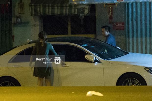 Hậu chia tay Tiến Đạt, Hari Won bị bắt gặp say đắm hôn Trấn Thành giữa đêm khuya - Ảnh 21.