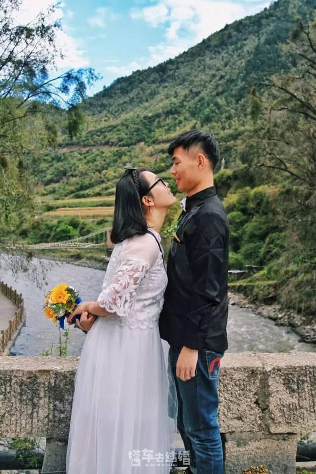 Cặp đôi trẻ cùng xin nghỉ việc để có thời gian đi chụp ảnh cưới vòng quanh Trung Quốc - Ảnh 14.