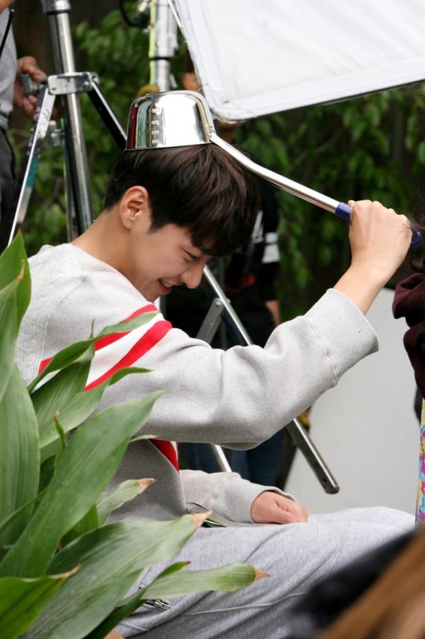 """Sweet Stranger and Me của """"bố trẻ"""" Kim Young Kwang và Soo Ae dần gục ngã - Ảnh 40."""