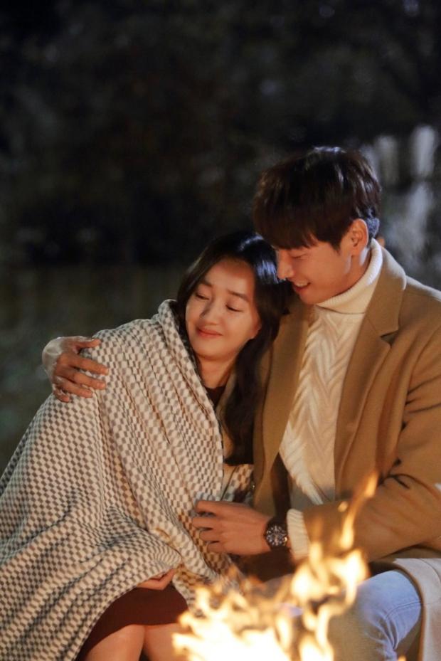 """Sweet Stranger and Me của """"bố trẻ"""" Kim Young Kwang và Soo Ae dần gục ngã - Ảnh 41."""