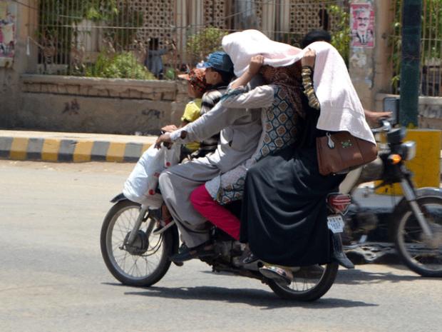 Chùm ảnh: Những hình ảnh nắng nóng khủng khiếp chỉ có ở Ấn Độ - Ảnh 14.