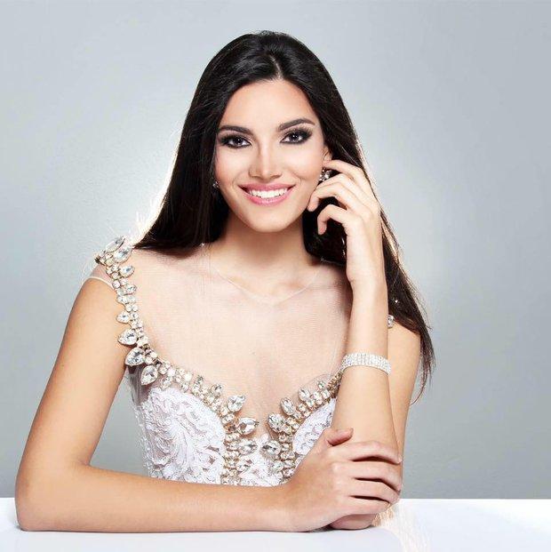 Nhan sắc người đẹp 19 tuổi vừa đăng quang Hoa hậu Thế giới 2016 - Ảnh 7.