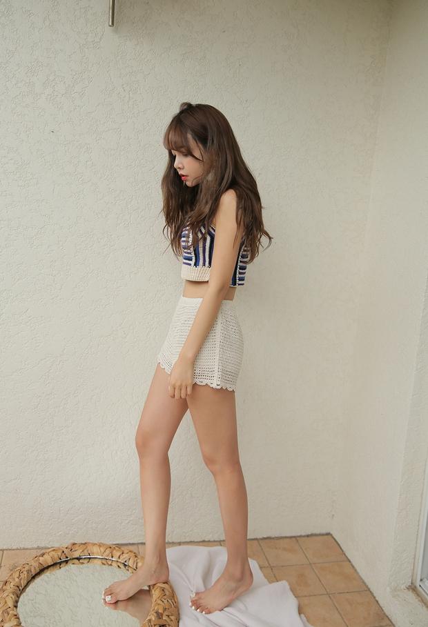 Nóng thế này, phải lôi ngay shorts vải ra diện theo 5 cách sau mới đủ đẹp và mát - Ảnh 7.