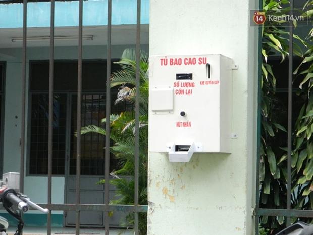 Sinh viên Đà Nẵng sáng chế máy phát bao cao su miễn phí cho người dân - Ảnh 6.