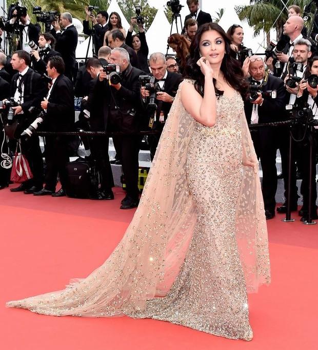 Hoa hậu đẹp nhất mọi thời đại giờ lại béo thế này trên thảm đỏ LHP Cannes - Ảnh 3.