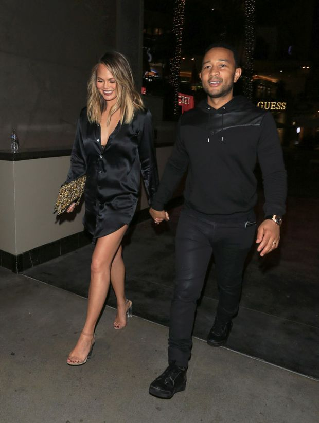 Nhìn bức hình này, chắc sẽ chẳng ai dám đi giày cao gót do Kanye West thiết kế nữa - Ảnh 5.