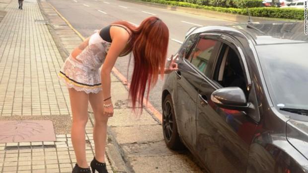 Hàng loạt hotgirl bán trầu đứng trước nguy cơ mất việc ở Đài Loan - Ảnh 4.