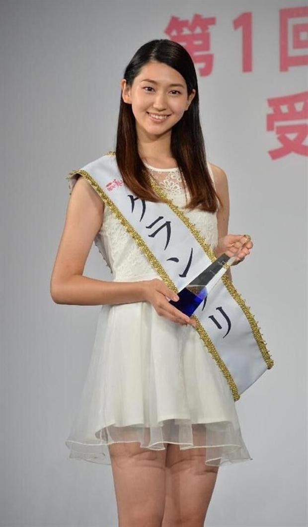 Đây là nhan sắc của những Nữ sinh 20 tuổi xinh đẹp nhất Nhật Bản - Ảnh 1.