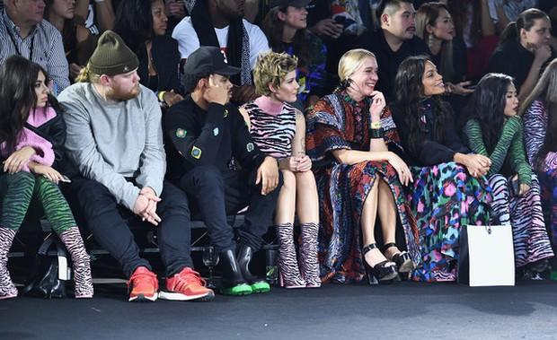 Show H&M x Kenzo tại New York: Suboi diện thiết kế mới nhất, ngồi hàng ghế đầu cùng loạt sao đình đám - Ảnh 4.
