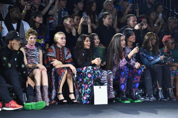Show H&M x Kenzo tại New York: Suboi diện thiết kế mới nhất, ngồi hàng ghế đầu cùng loạt sao đình đám - Ảnh 3.