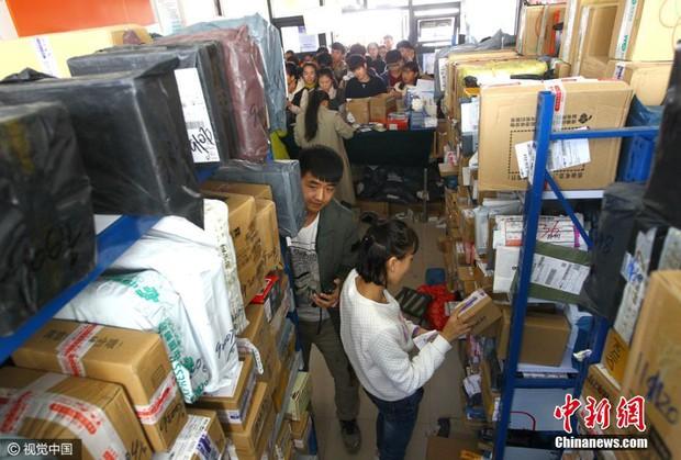Những cảnh tượng chỉ có trong ngày độc thân 11/11 ở Trung Quốc - Ảnh 27.
