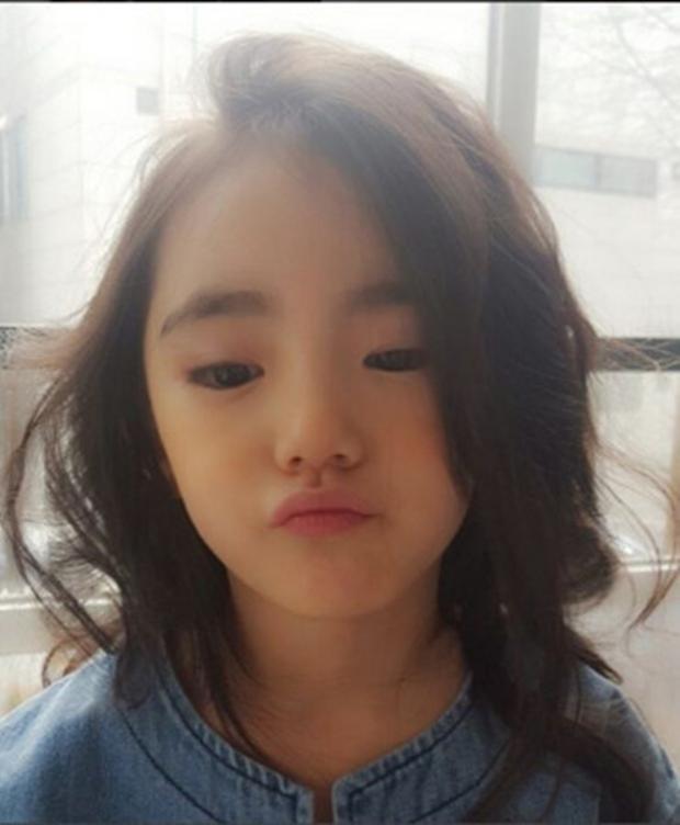 Chân dung cô bé Hàn Quốc xinh đẹp đến mức có thể khiến trái tim bạn tan chảy - Ảnh 8.