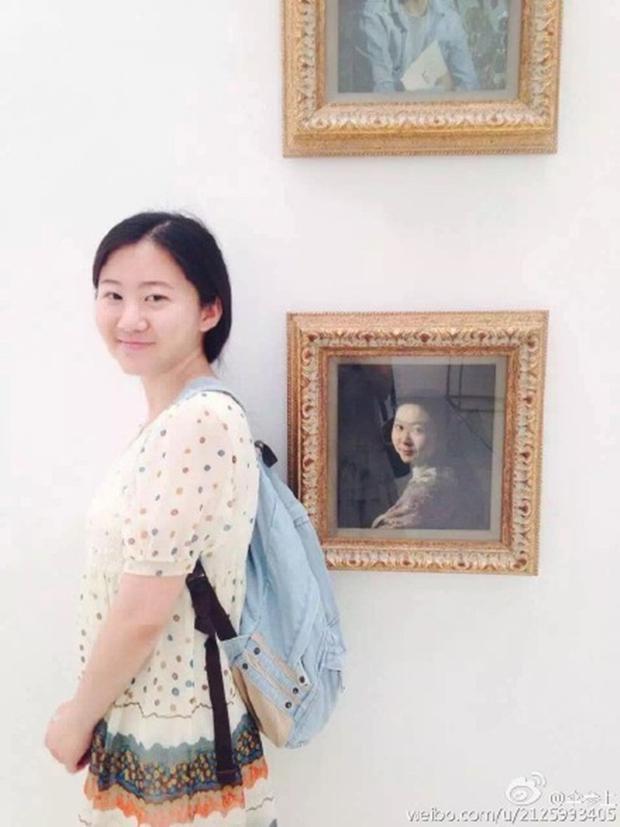 Cô gái bỗng nổi như cồn vì bắt gặp... chính mình trong bức tranh Hoàng hậu ở bảo tàng - Ảnh 3.
