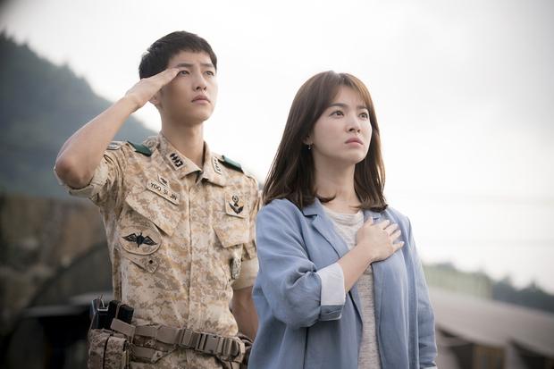 """Goblin """"hạ bệ"""" Hậu Duệ Mặt Trời, Huyền Thoại Biển Xanh để trở thành hiện tượng phim Hàn năm 2016 - Ảnh 3."""