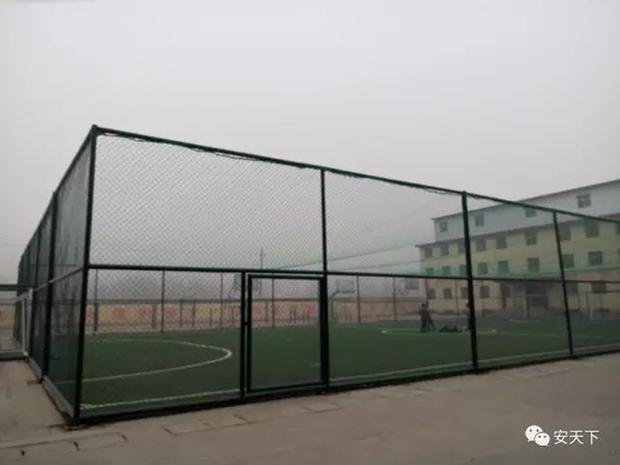 Trung Quốc: Ô nhiễm không khí tới nỗi học sinh ngồi thi ngoài sân trường khỏi cần giám thị - Ảnh 4.