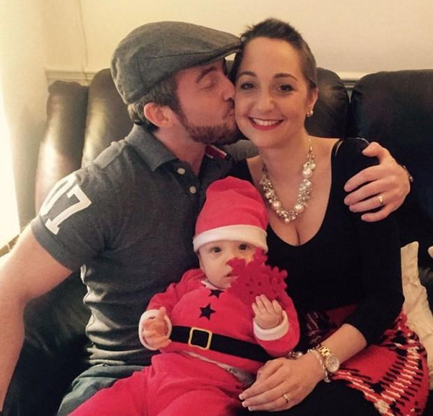 Ước mơ dang dở của người chồng chỉ muốn tặng quà Giáng sinh cho cô vợ mắc bệnh ung thư - Ảnh 2.