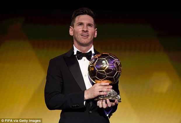 Adidas tặng Messi giày thửa tuyệt đẹp mừng Quả bóng vàng FIFA - Ảnh 1.