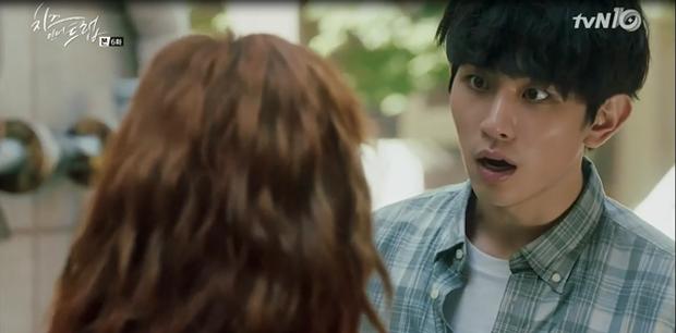 """""""Cheese In The Trap"""": Bấn loạn trước nụ hôn """"hụt"""" trên giường của Park Hae Jin - Ảnh 34."""