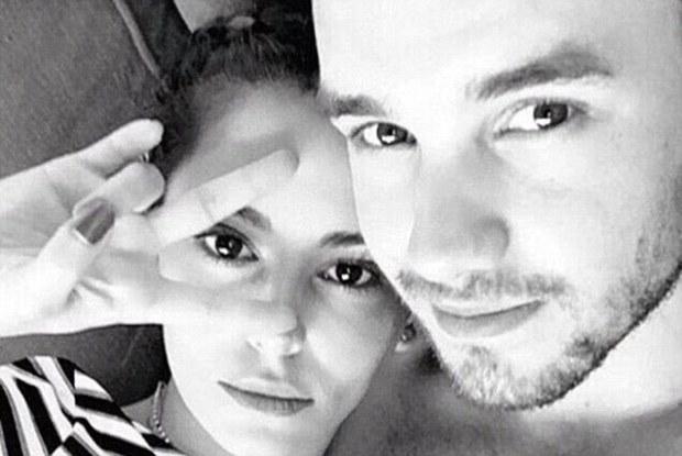 Vợ cũ Ashley Cole yêu hot boy kém 10 tuổi của One Direction - Ảnh 1.