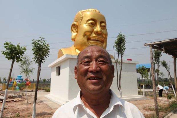 Những bức tượng khổng lồ sớm xây tối phá ở Trung Quốc - Ảnh 13.