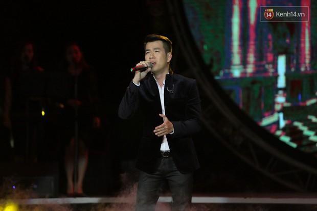 Hoài Lâm giành giải thưởng 500 triệu đồng của Bài hát yêu thích 2015 - Ảnh 14.