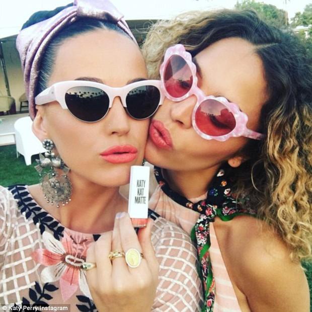 Taylor Swift, Kendall - Kylie Jenner cùng loạt sao trẻ đọ độ chất ở Coachella 2016 - Ảnh 14.