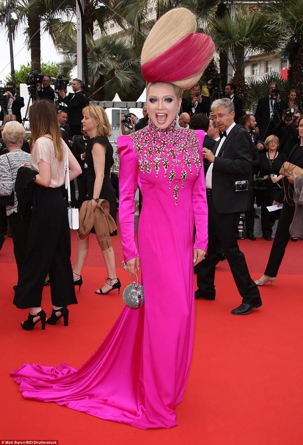Hoa hậu đẹp nhất mọi thời đại giờ lại béo thế này trên thảm đỏ LHP Cannes - Ảnh 14.