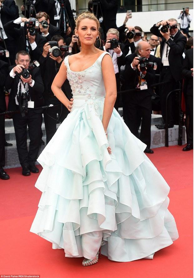 Hoa hậu đẹp nhất mọi thời đại giờ lại béo thế này trên thảm đỏ LHP Cannes - Ảnh 10.