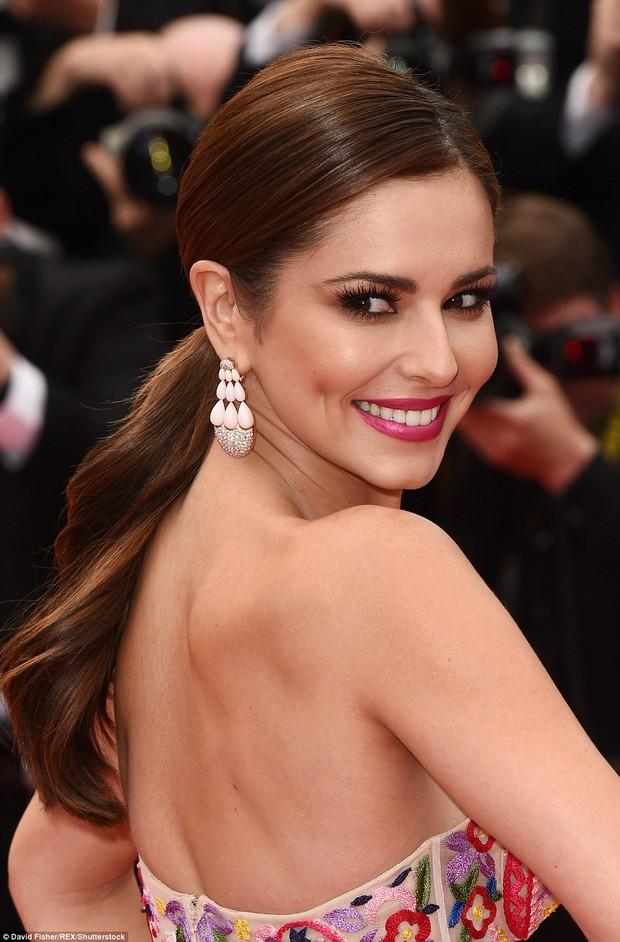 Hoa hậu đẹp nhất mọi thời đại giờ lại béo thế này trên thảm đỏ LHP Cannes - Ảnh 8.
