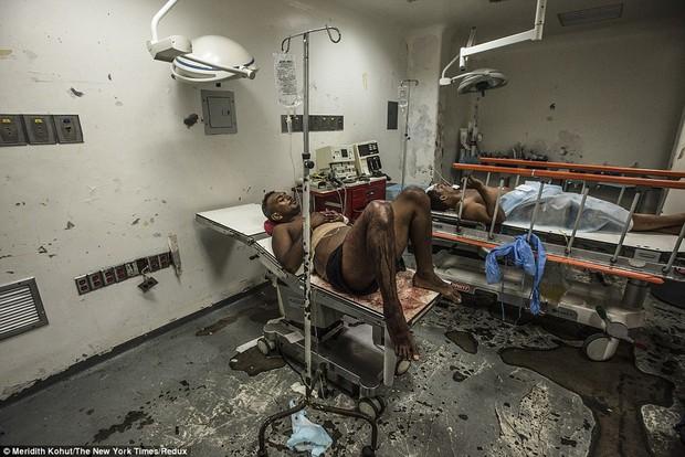 Bạn sẽ không thể tin được đây là khung cảnh trong bệnh viện Venezuela - Ảnh 1.