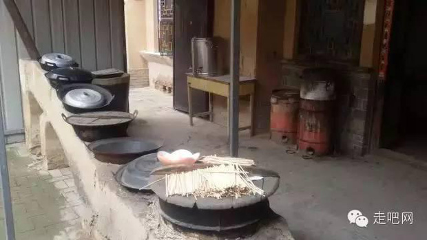 Ngôi làng kỳ lạ nhất Trung Quốc: Toàn bộ người dân đều sống dưới lòng đất - Ảnh 24.