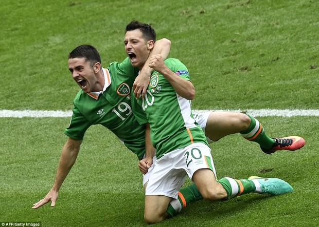 Ibrahimovic giúp Thụy Điển thoát thua trước Ireland - Ảnh 6.